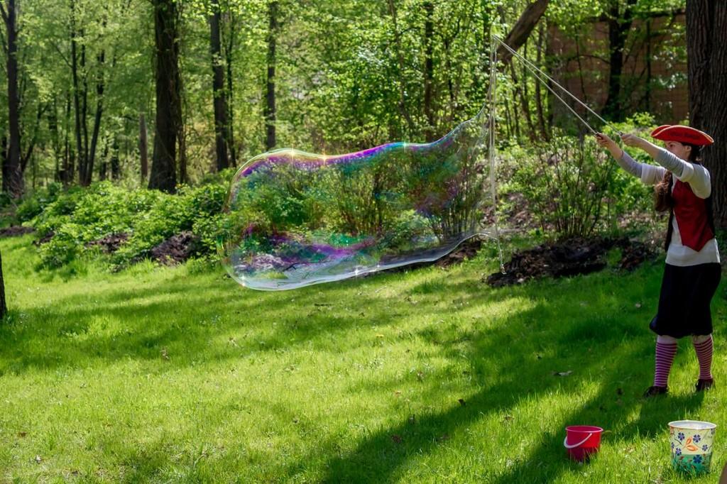Пират и большой мыльный пузырь | Gigant bubbles