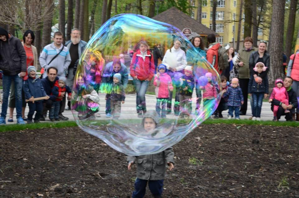 Большой мыльный пузырь | Gigant bubbles