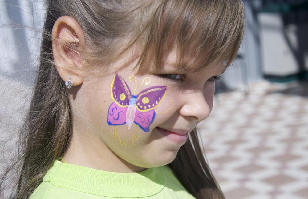 Бабочка на щеке | Аквагрим