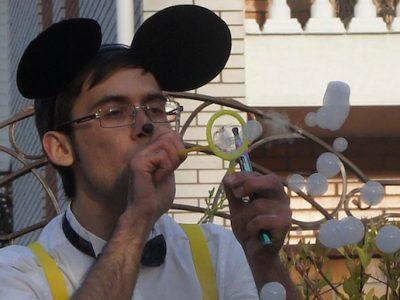Микки Маус и белые мыльные пузыри | | Bubbles Show