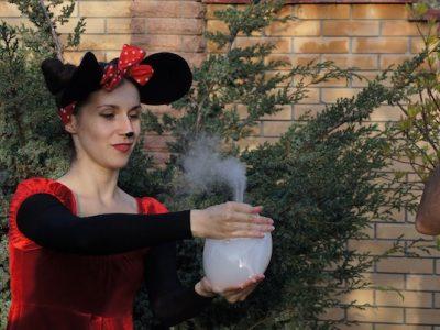 Белый мыльный пузырь | Bubbles Show