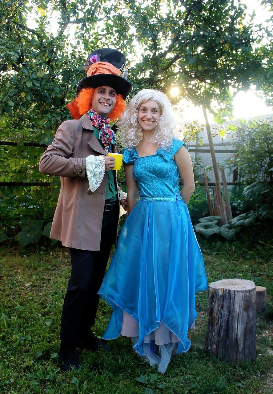 Шляпник и Алиса на детский праздник